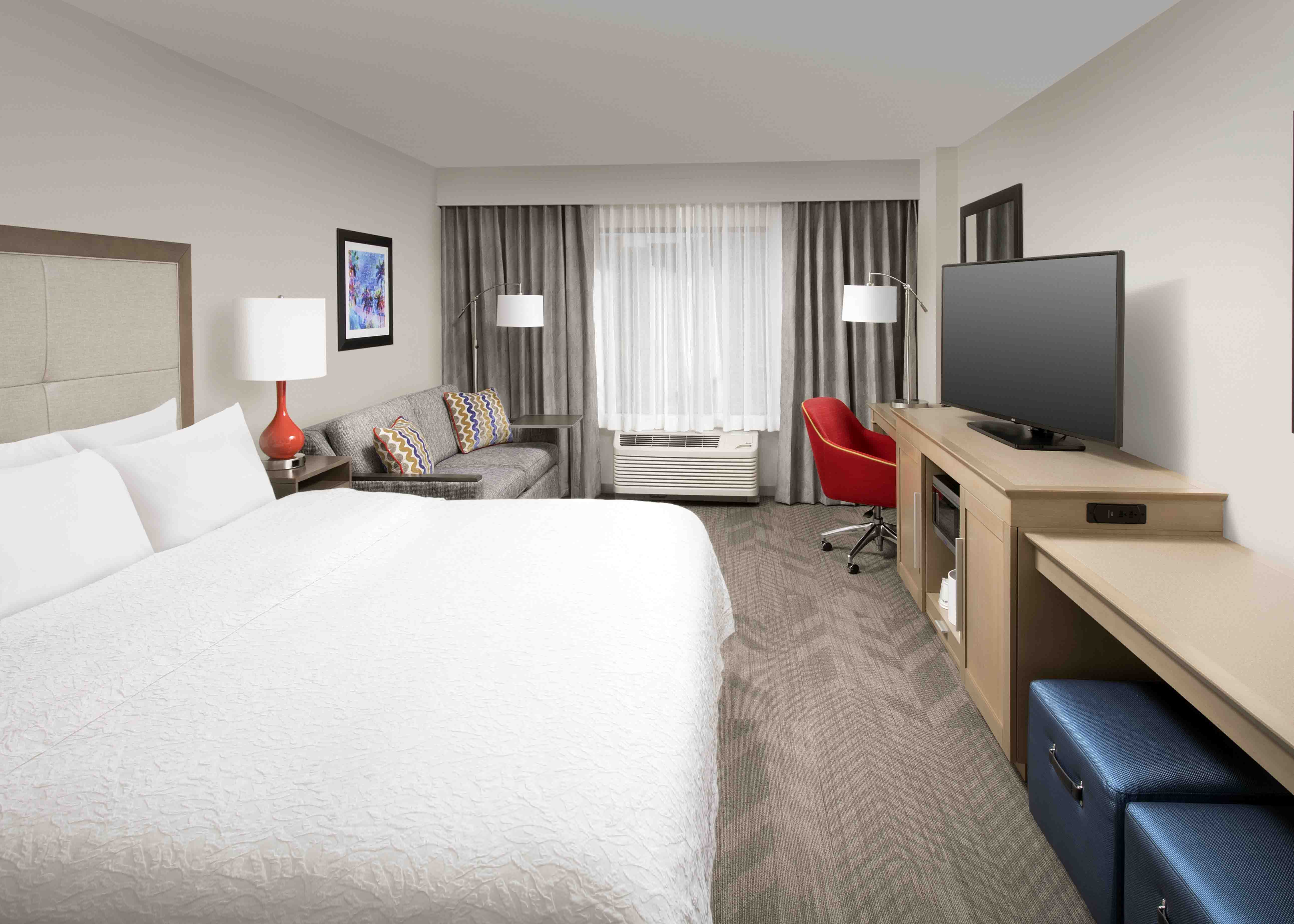 Hampton Inn Amp Suites By Hilton Anaheim Garden Grove